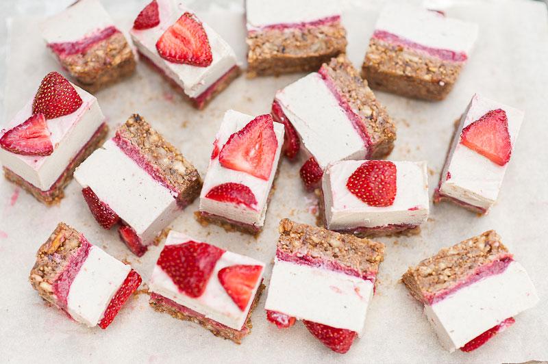 R---strawberry-cakes