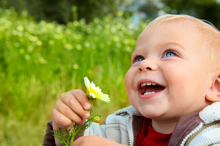 Child-laughing-mindfulness-for-children