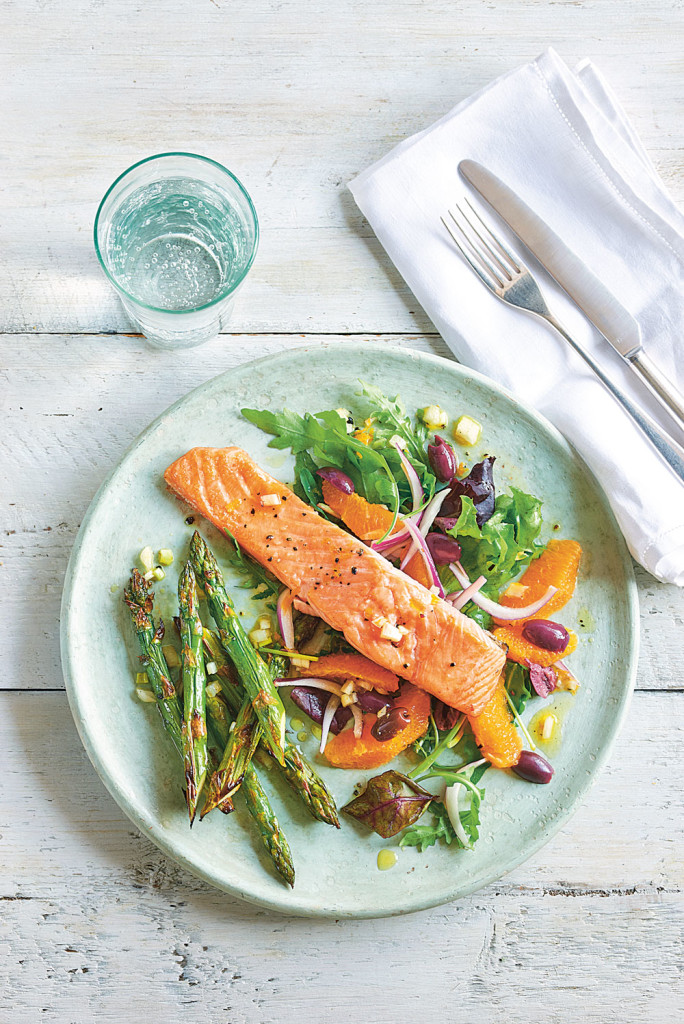 E---Paleo Grilled-salmon-salad
